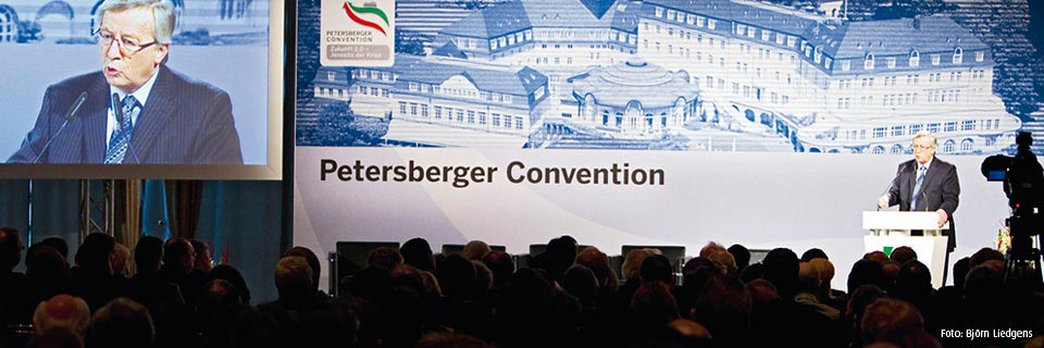Banner Petersberger Convention
